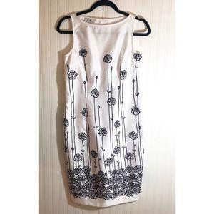 Byers California White/Black Rose Dress Size 6